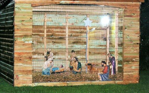Nativity_scene_3525254b
